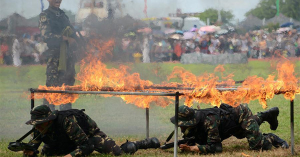 HK Garrison of PLA hlods open day to celebrate 19th anniv. of return