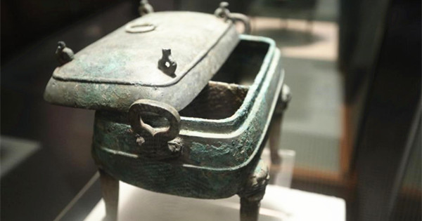 Unique ancient cauldron on display in C China city