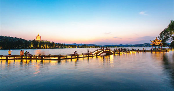 Travel guide to Hangzhou, a paradise on earth