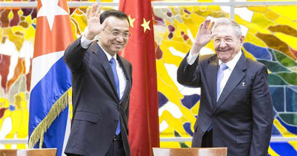 Premier Li holds talks with Raul Castro