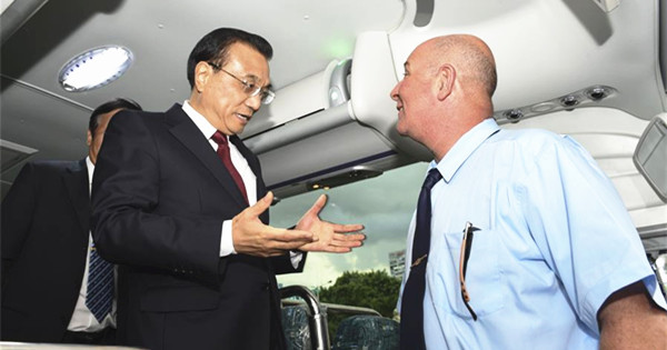 Premier Li experiences on vehicle exported by China