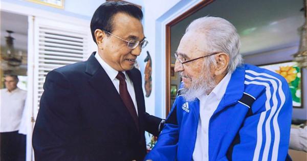Premier Li Keqiang visits Cuban revolutionary leader Fidel Castro