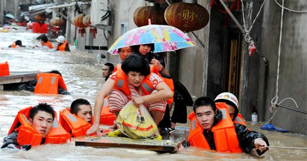Rescue work at the typhoon-hit provinces