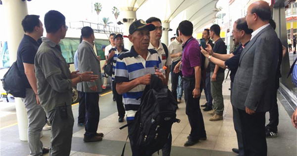 Chinese hostages freed by pirates are heading home