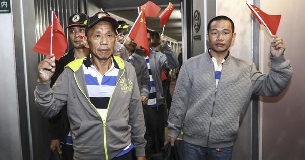 Chinese sailors freed by Somalia pirates return