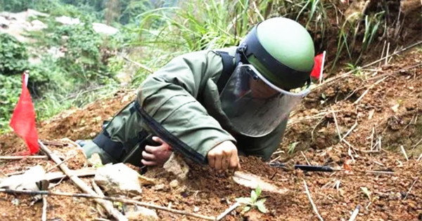 PLA demining teams risk death daily
