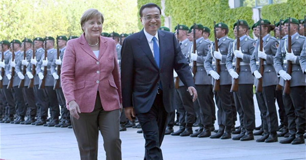 Premier Li arrives in Germany for official visit