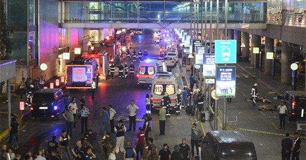 Suicide bombings at Istanbul airport leave dozens dead