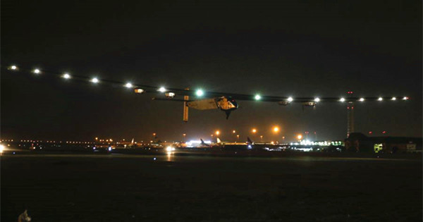 Solar-powered aircraft leaves Cairo for Abu Dhabi