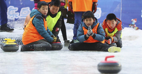 Interest in winter sports heating up at school