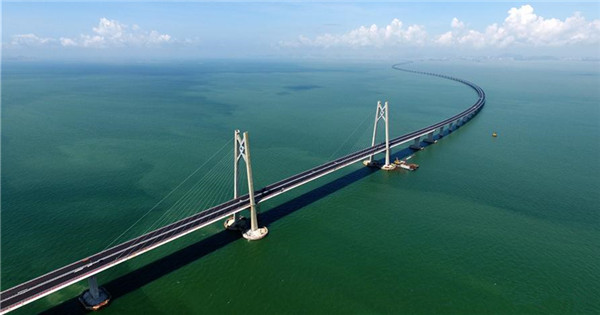 Major tunnel of HK-Zhuhai-Macao Bridge completed