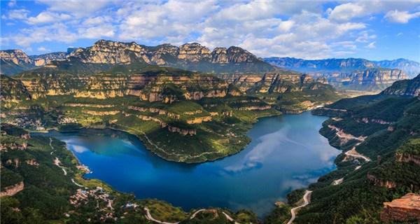 Spectacular scenery of Tianyi Mountain