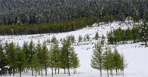 Snow scenery of east Tianshan Mountain in Xinjiang