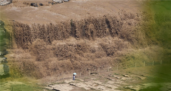 Hukou Waterfalls enter summer flood period due to heavy rainfall