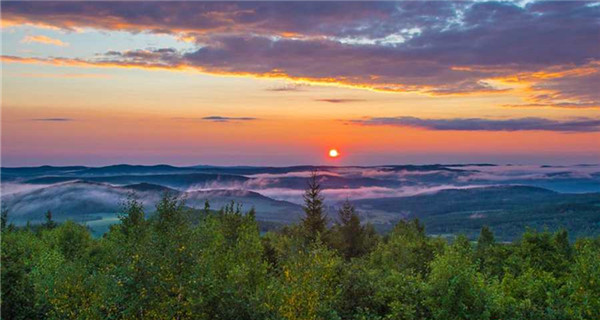 Awe-inspiring sunrise over Greater Xing