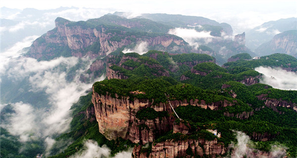 Spectacular seas of clouds in Xianju National Park