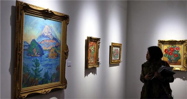 Art Basel opens in Hong Kong