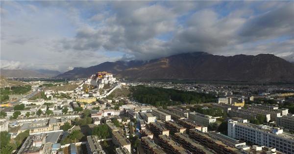 Ancient Lhasa city turns modern after Tibet