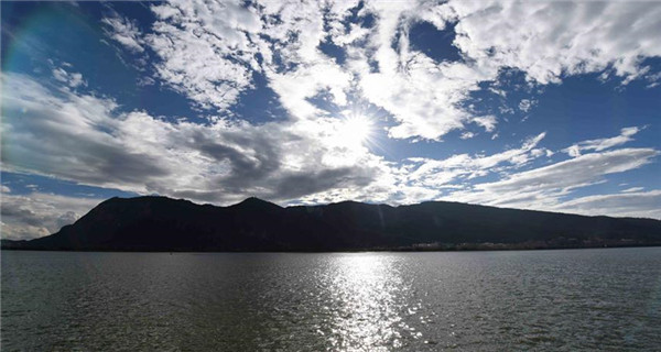 Autumn view of Dianchi Lake in Kunming