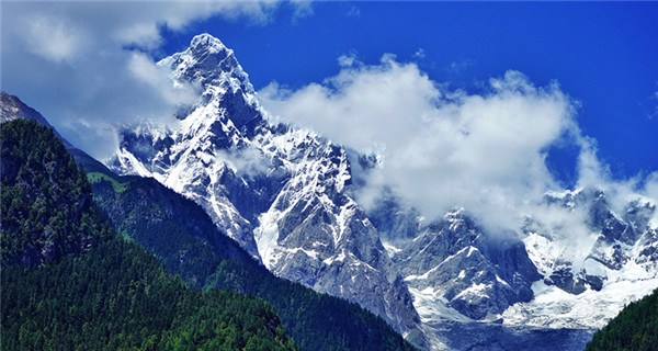 Father of all mountains in Tibet�C Namcha Barwa