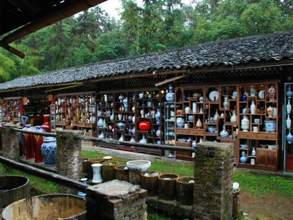 Jingdezhen in Jiangxi Province is hailed as China's porcelain capital for centuries. (Photo: CNTV)