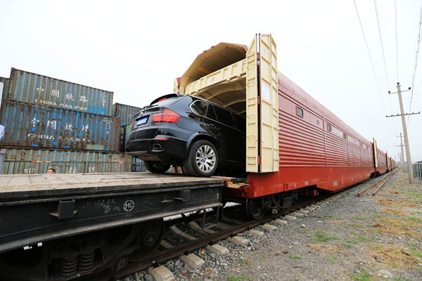 Tour by train with your cars during National Day holiday