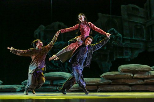 Dance drama 'Sentient Beings' debuts in Beijing before national tour