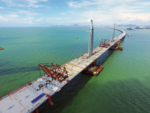 World's longest cross-sea bridge one step closer to completion