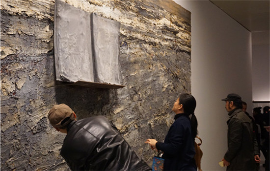 The show Anselm Kiefer in China comes into media spotlight even before its opening on Saturday, because the German artist whose works are on show, accused the organizers of excluding him from the process. (CHEN YAN/CHINA DAILY)