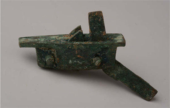 A crossbow mechanism from an ancient sacrificial site in Fengxiang, Shaanxi province. (Provided To China Daily)