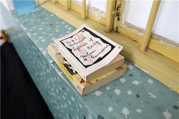 Qin Yuefei's books. (Photo by Wang Zhuangfei/China Daily)