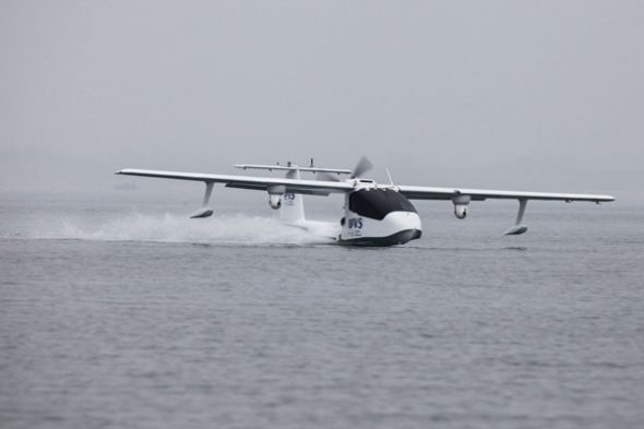 A U650 unmanned amphibious aircraft undergoes tests in Central China at the end of 2016. (Photo provided to China Daily)