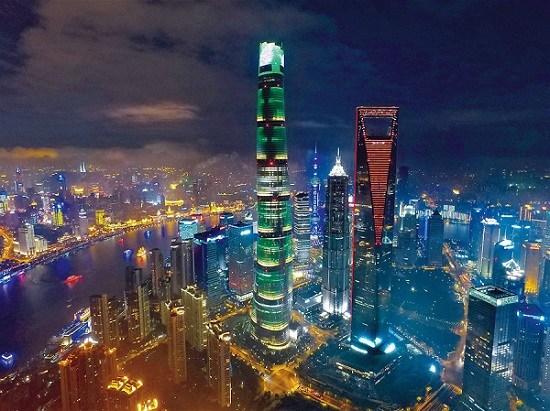 A file photo of Shanghai's enchanting lighting. (Zhang Suoqing)