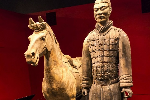The thumb of a 2,000-year-old terracotta warrior was stolen while on display at the Franklin Institute. (Photo provided to China Daily)
