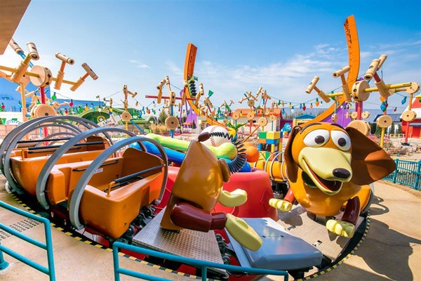 "Slinky Dog Spin, where visitors will be able to race around a ""wavy roundabout."" (Photo/shine.cn)"