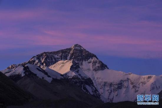 Photo shows the beautiful scenery of Mount Qomolangma. (Photo/Xinhua)