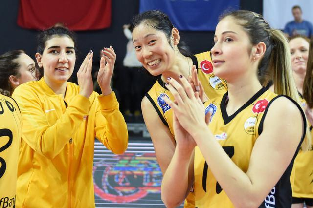 Zhu Ting clinches her first league title with Vakifbank