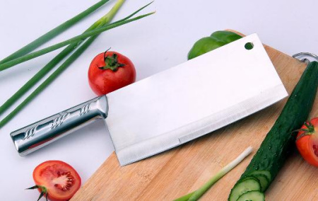 One knife fits all in Chinese style of food preparation
