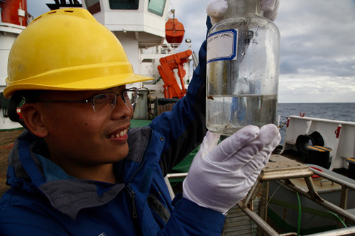 China conducts tests for microplastics pollution in southwest Indian Ocean