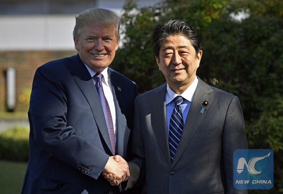 Trump speaks with Japan's Abe on meeting with Kim