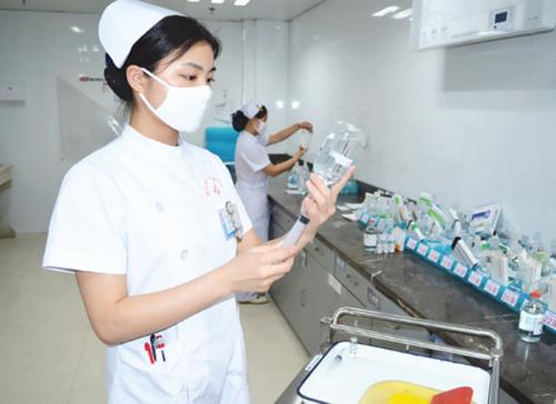 China to have 4.45 mln registered nurses by 2020