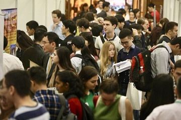 Career fair for intl students kicks off in Beijing