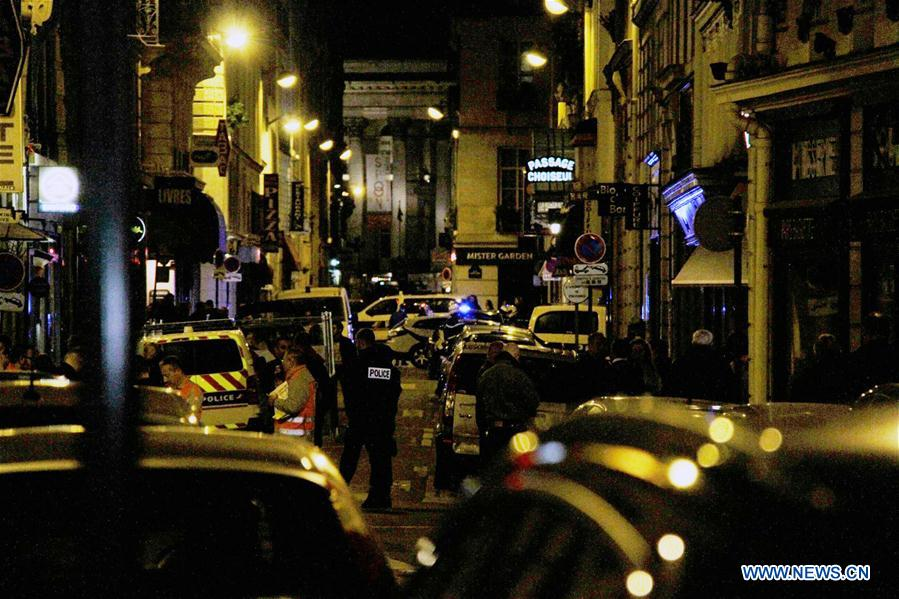 One dead, four wounded in Paris knife attack