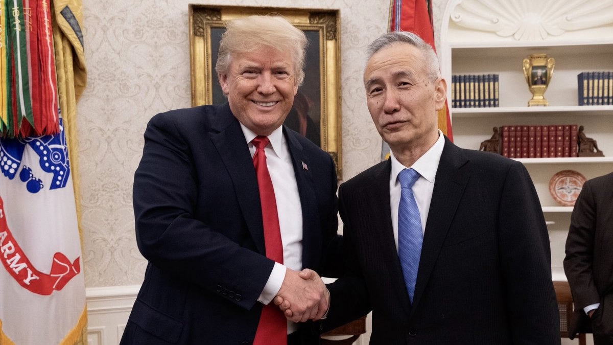 Trump meets with Chinese vice premier on ties