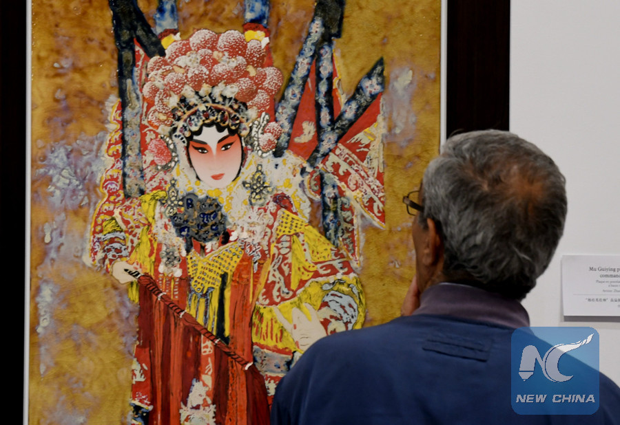 Chinese porcelain art gains popularity in Tunisia