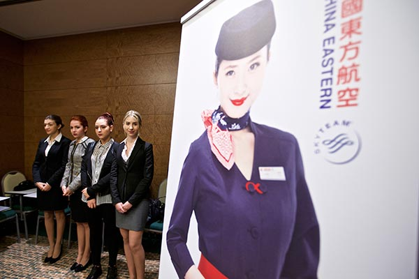 world joins chinese carriers' cabin crews(2)