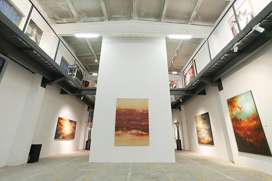 Being 3 Gallery, which has relocated to a former factory in the capital, is celebrating its 10th anniversary with shows by young yet promising artists from home and abroad. Paintings by Shivani Dugar are now on display at the gallery. (Photo provided to China Daily)