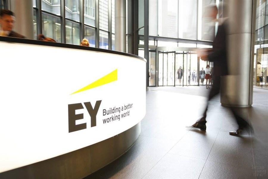 EY feels the heat from P2P investors