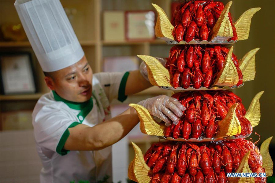 Chinese lobster industry boom on high demand