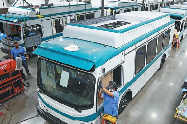 BYD to provide LAX with U.S. largest airfield fleet of all-electric buses
